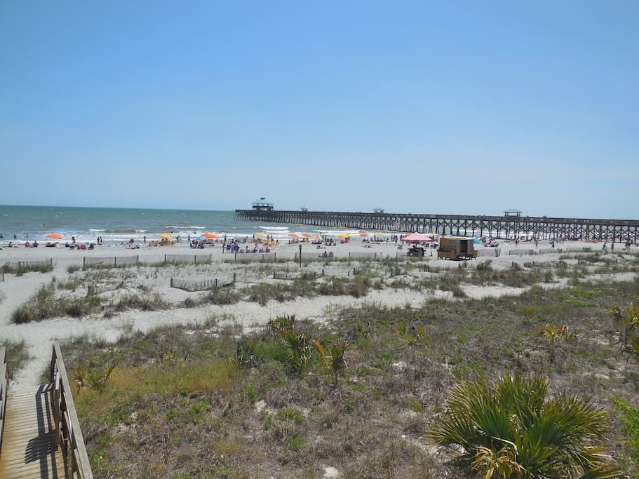 seaside villas 101 oceanfront condo condominiums for rent in folly beach south carolina. Black Bedroom Furniture Sets. Home Design Ideas