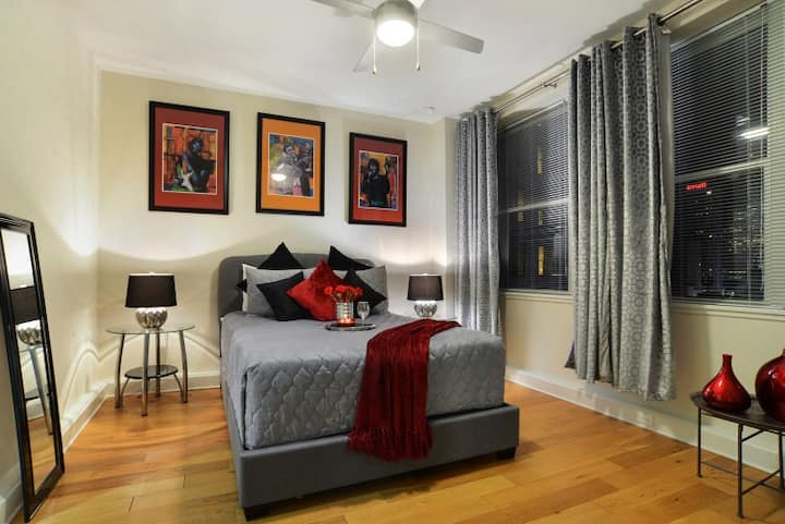 ★ CBD/French Quarter Downtown Modern Condo ★