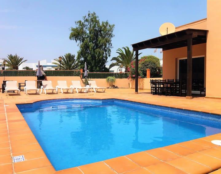 CASA MARTA duplex con piscina privada en Corralejo