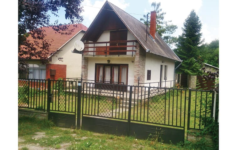 Holiday cottage with 3 bedrooms on 85m² in Balatonszemes