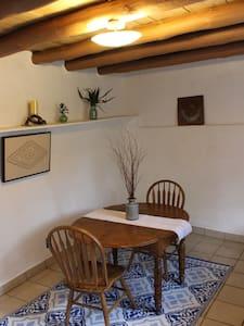 Cozy Private Casita - Santa Fe - Hus