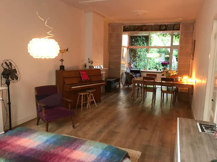 Cosy, very comfortable ground floor studio