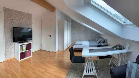 Gemütliches helles Gästezimmer nahe München