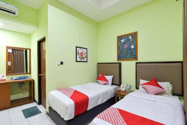 Standard Twin Room at Hotel Sekar Ayu