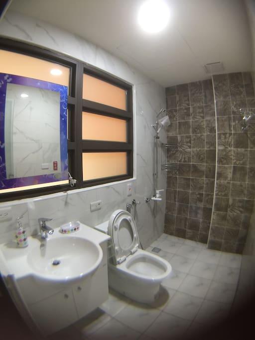 3樓獨立衛浴