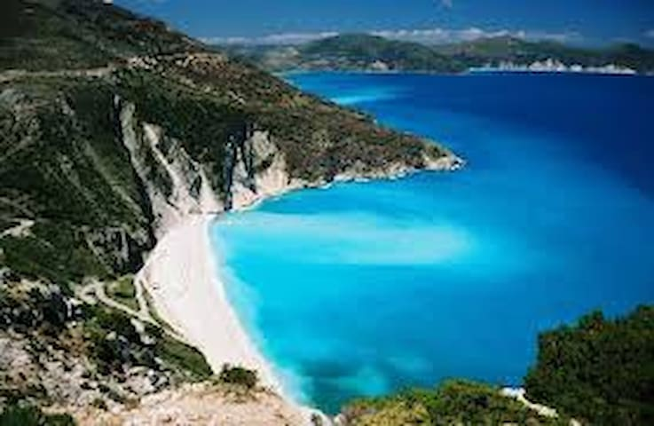 Myrtos Cottages; Terpsihore - Divarata - Apartament
