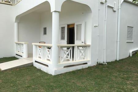 Windy Ridge Studio, Savannes Bay - Vieux Fort - Apartmen