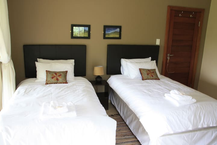 Cottage 49B Bedroom 2