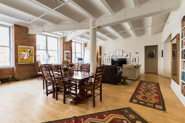 2600 Square ft. Village Loft.
