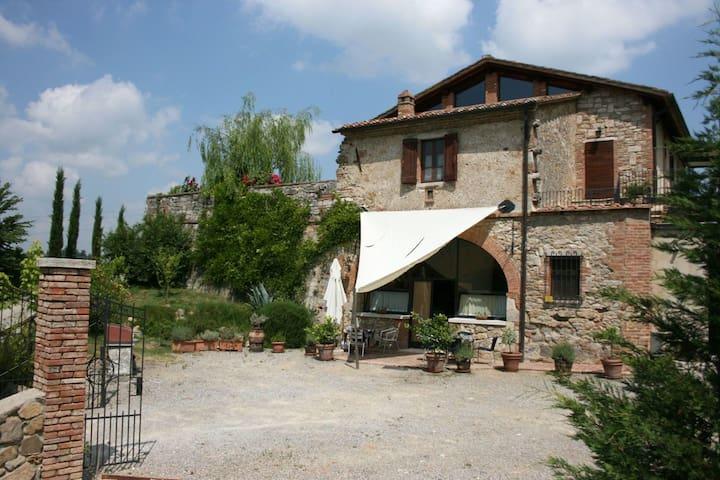 Il Fornacino, sleeps 8 guests in Armaiolo - Rapolano Terme - Villa