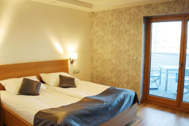 ☆Family Room at Pan Restaurant☆2BR, w/Balcony