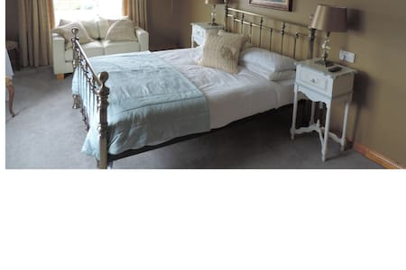 Deluxe-Double room-Ensuite-Sea View