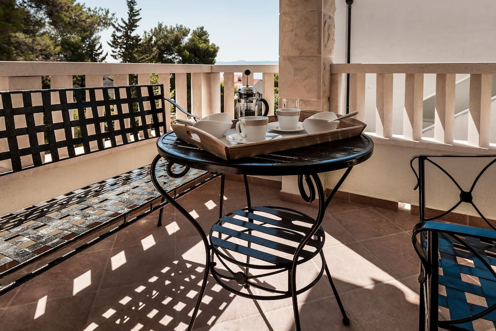 relax on the terrace and start enjoying your holiday