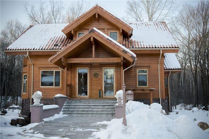 长白山家庭欢聚独栋三居木屋别墅