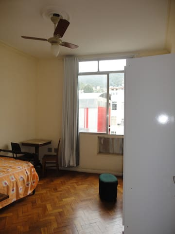 Single room in Ipanema.
