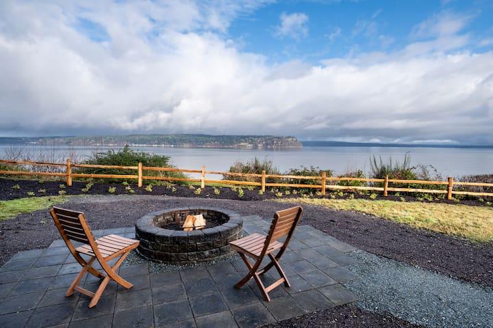 Romantic Puget Sound water view getaway