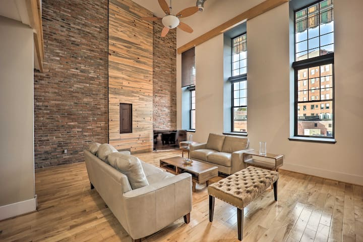 NEW! Chic Downtown Escape, 8 Mi to Motor Speedway!