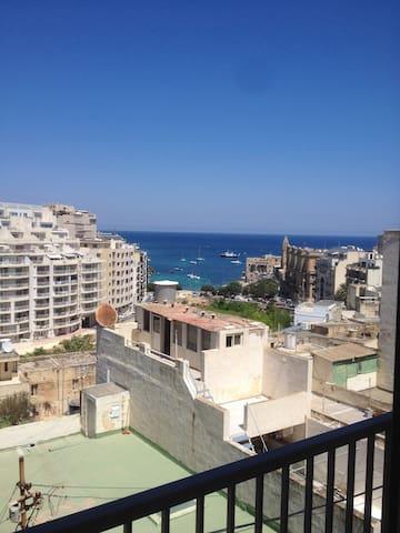 St Julian's Apartments - Flat 3A Stunning sea view - Tas-Sliema - Apartment