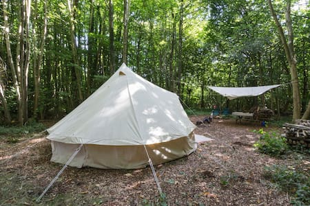 Self catering bell tent in lush Kentish woodland - Cantuária