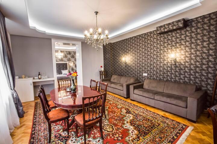 Luxury Old Center Apartment