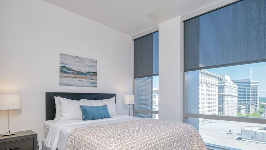 Downtown Lux Apartments 1BD 6 F
