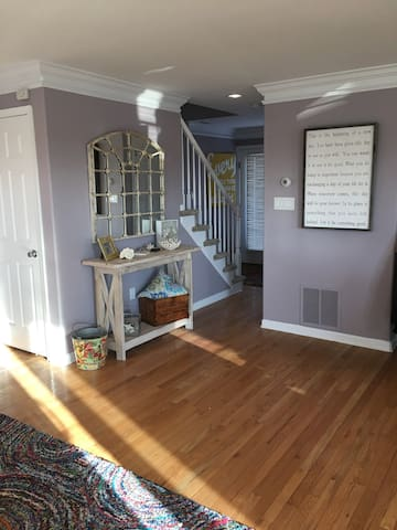 Beautiful two story bay view condo in Avalon, NJ