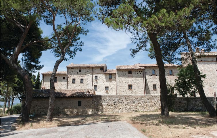 Holiday apartment with 1 bedroom on 37m² in Petroro- Todi