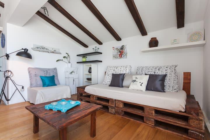 Apartment Noa; cozy getaway with artistic soul