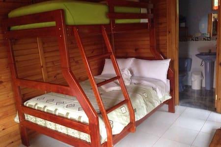 Habitación para 3, pintoresco lugar - Bed & Breakfast