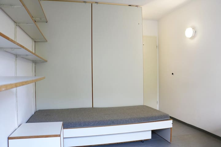 Cozy room 20min to central - München - Appartement