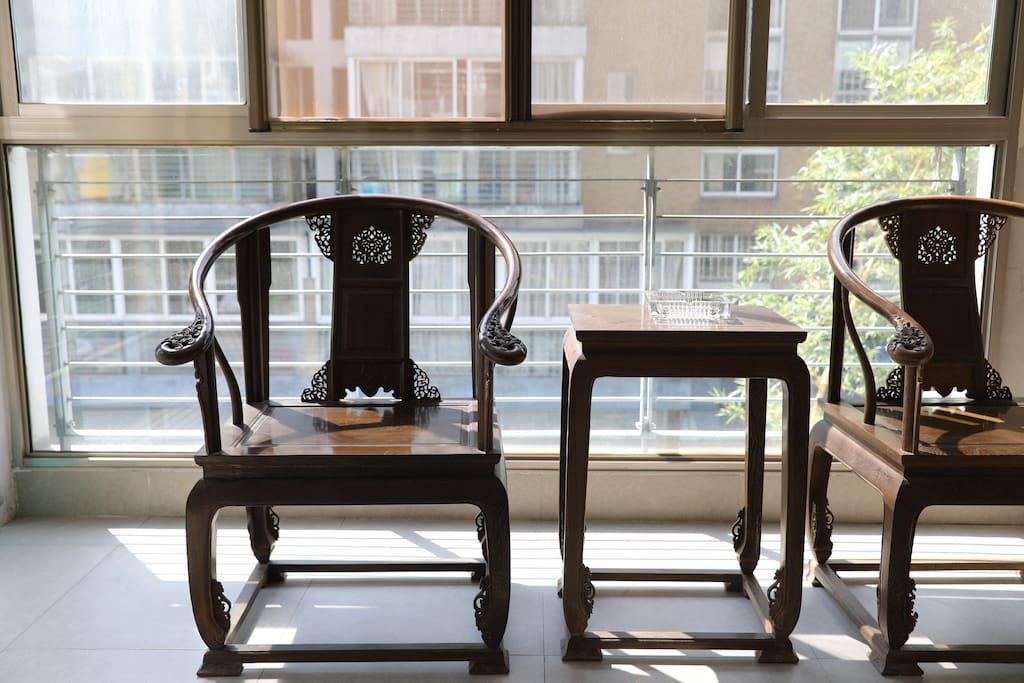 专属的阳台可以喝茶聊天