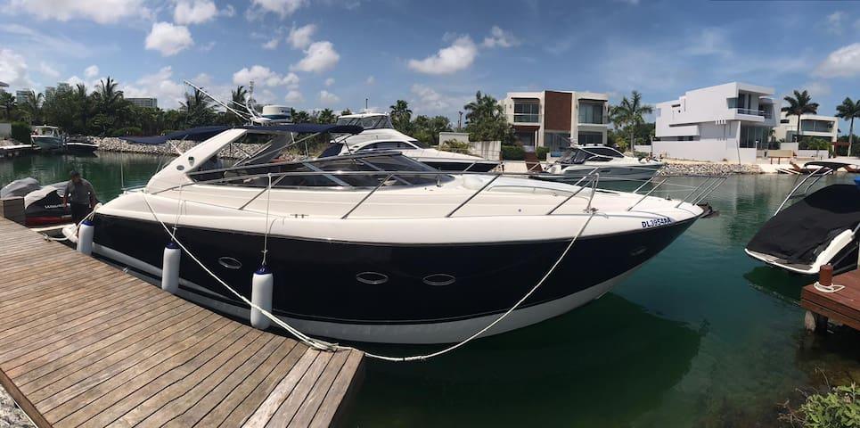 Sleep & Sail Away in the Caribbean