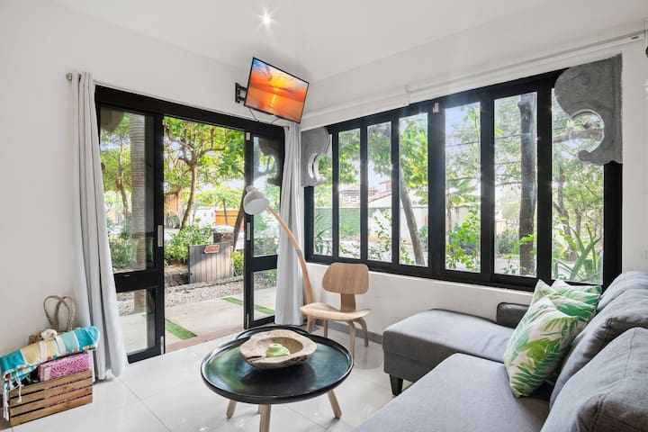 2 Bed Casita Across the Street from the Beach