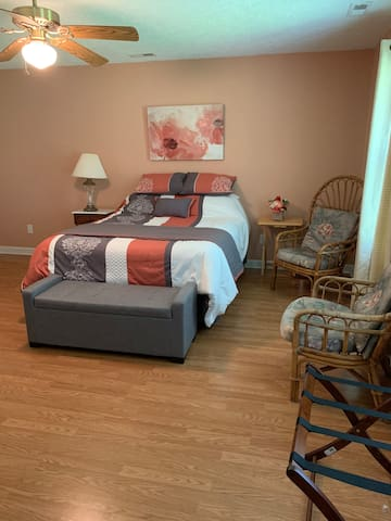 Homey, comfortable, private A+ Master Suite