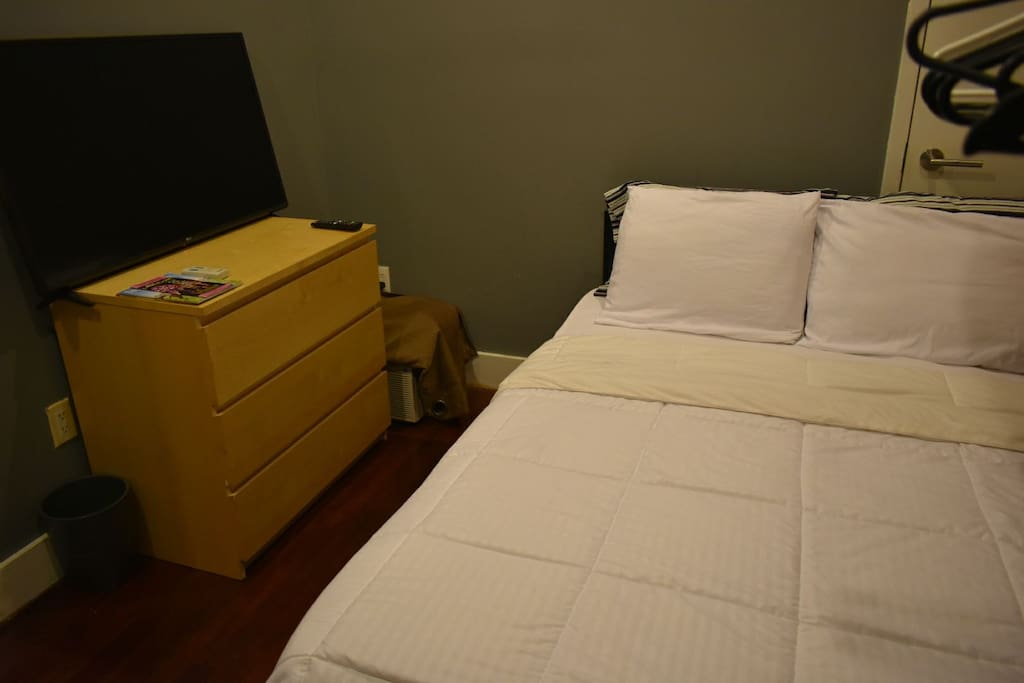 42 inch flat screen tv with Free Netflix and Amazon Prime. Full size bed that sleeps 2 adults.