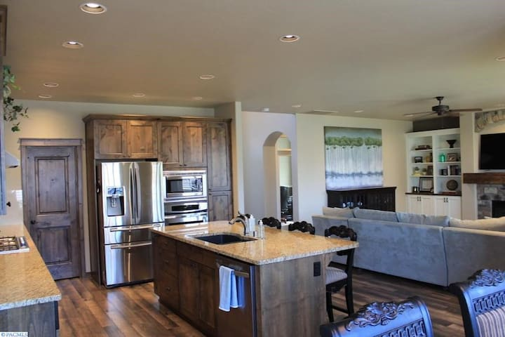 Spacious and homey house in South Kennewick
