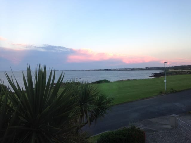 Sea views from Hampton Cove (2nd room) - Balbriggan - Casa