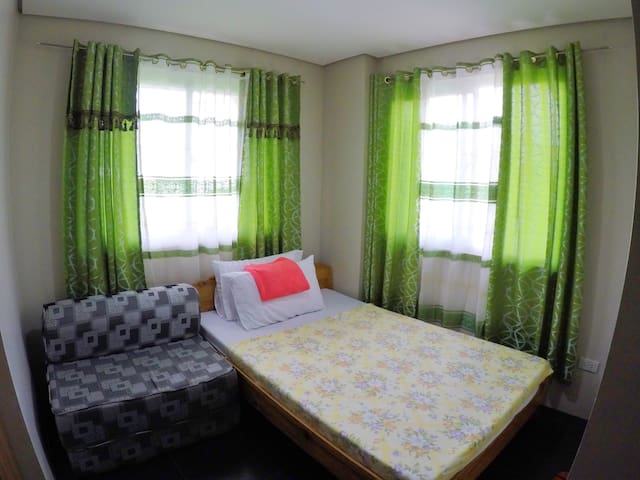 (ROOM A) Warm-Cozy Abode iN D City (Free Parking)