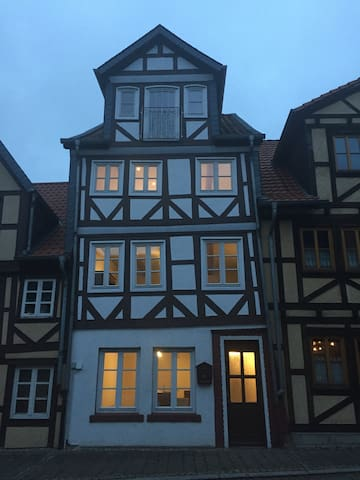 """Ferienhaus Peine """"Kniepenburg"""" - Peine - House"""