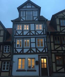 """Ferienhaus Peine """"Kniepenburg"""" - Peine - Casa"""