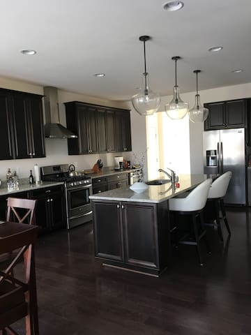 Annapolis Elegance!  Minutes from downtown & USNA!