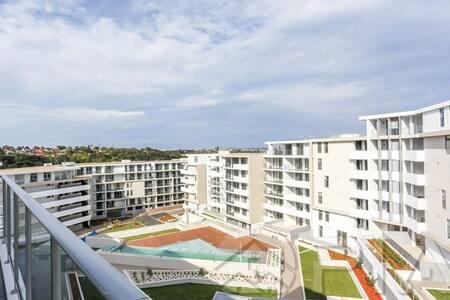 Modern Apartment, Professional Host, Private - Turrella - Apartment
