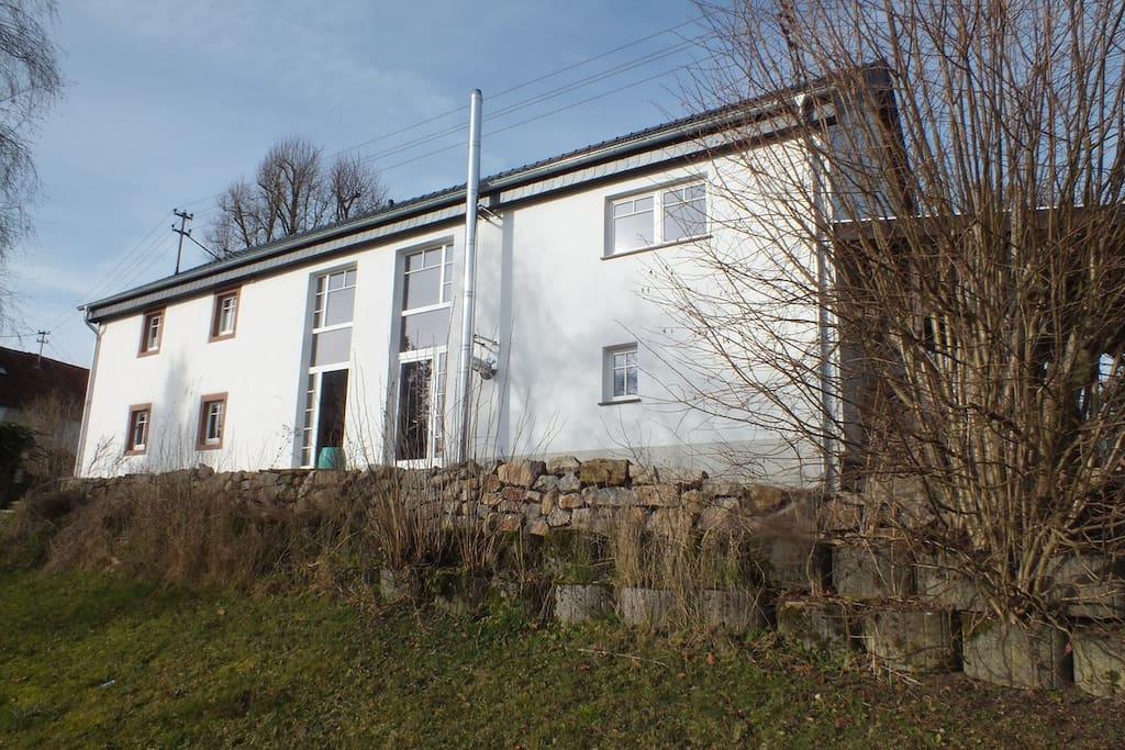Eifelhaus (Rückansicht)