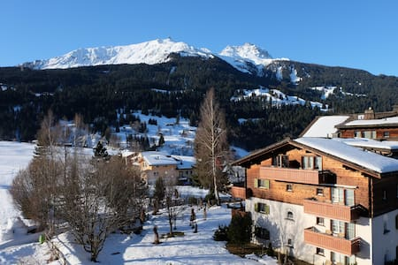 Cosy Chalet in the Heart of the Ski Resort - Klosters Dorf - Apartemen
