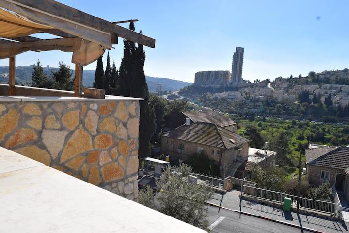 kosher 4 room apt  panoramic view! מתאים לבידוד