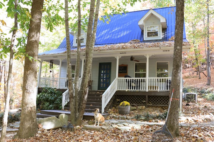 Oakleaf Cottage, Quiet Scenery near Chattanooga - Trenton - Talo