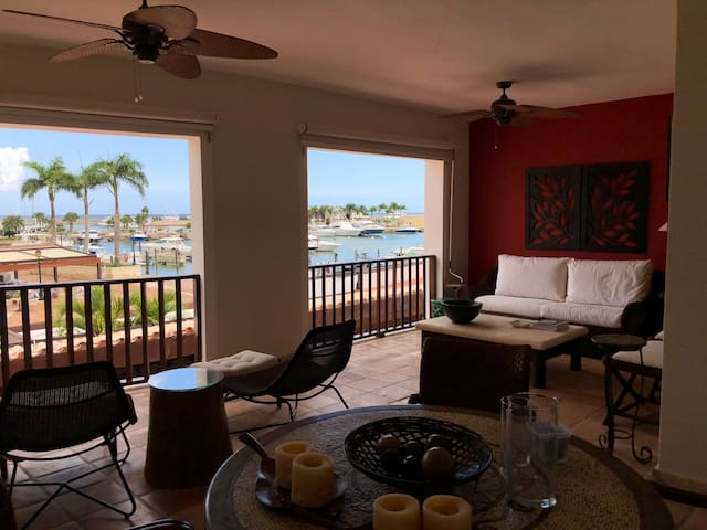 3 Bedroom apartment overlooking the marina CDC