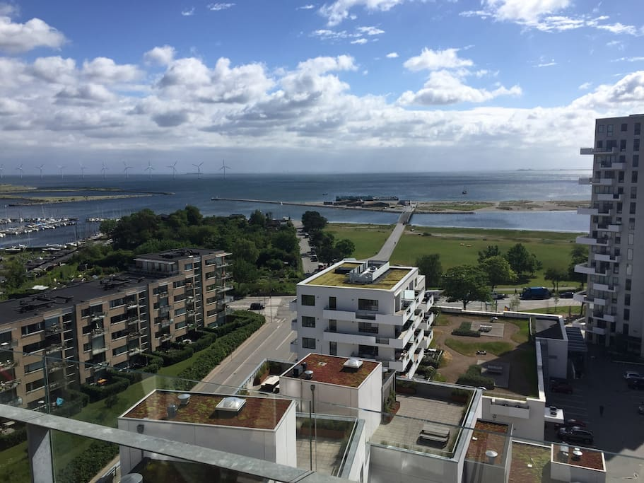From the balcony, you can see Amager Beach. Here, you can relax on the beach or enjoy a run around the beach area. The beach has a lagoon, which makes it ideal for water sports, but also friendly towards kids.