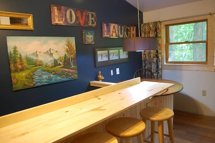 Wooded, Cozy, and Eclectic 2 Bedroom Apartment.
