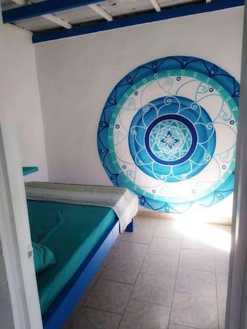 Bedroom with 1,40 wide queensize bed